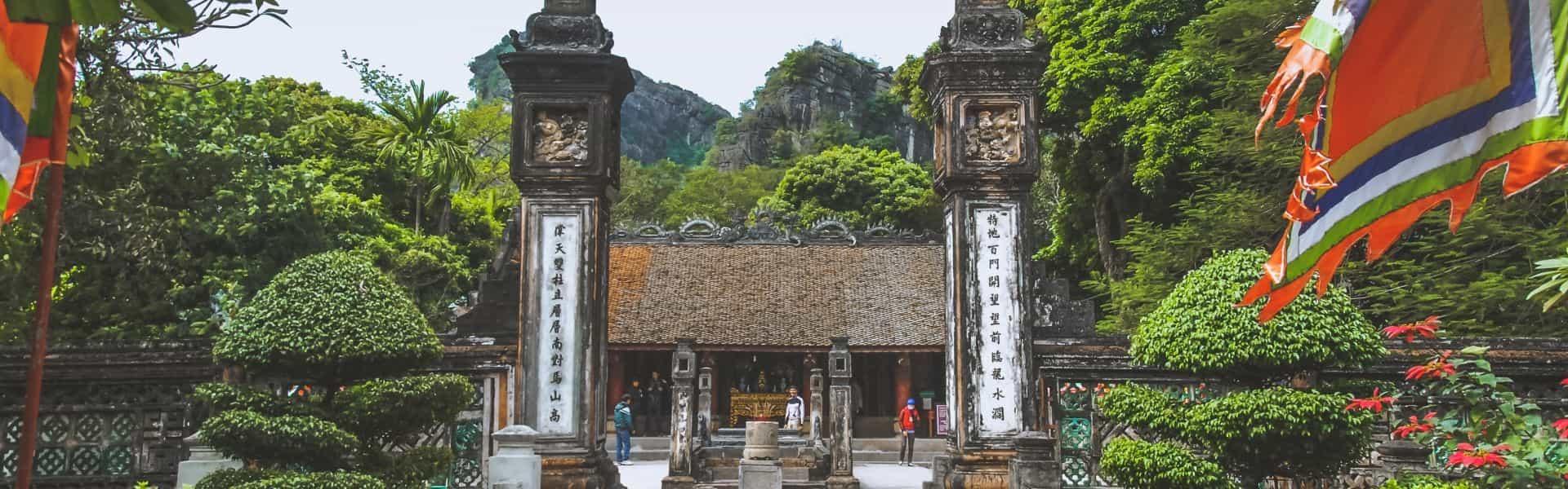 Ninh Binh Vietnam Attraction -  Dinh & Le Temples