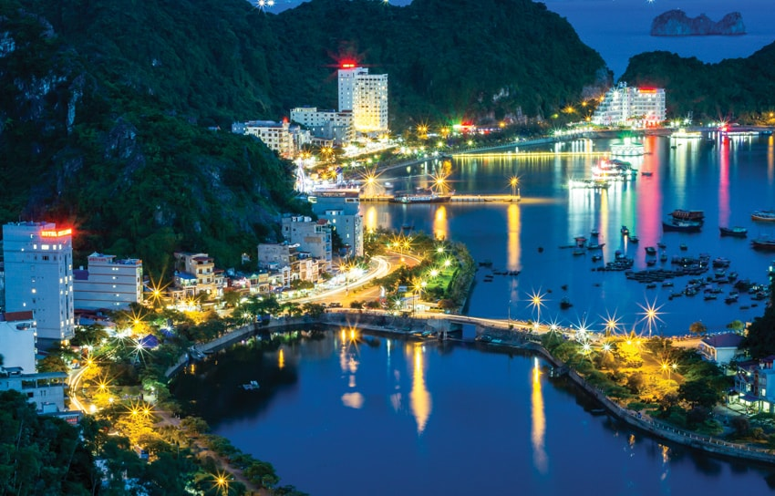 things to do in cat ba island vietnam - at night