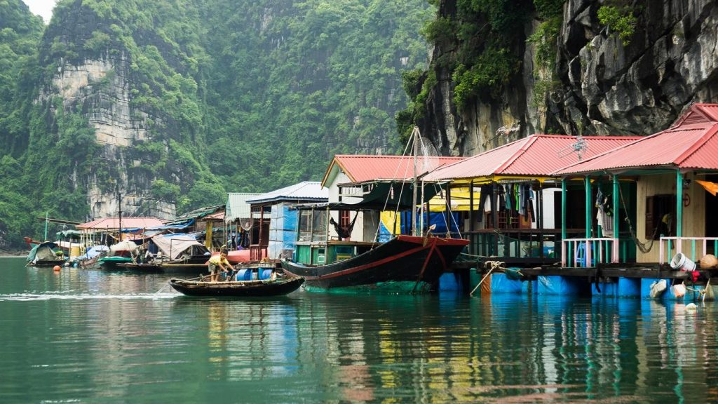cua van village 1024x576 - Top 10+ Unique & Amazing Things to do in Halong Bay, Vietnam (2020)