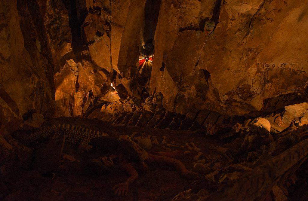 hell cave marble mountains da nang