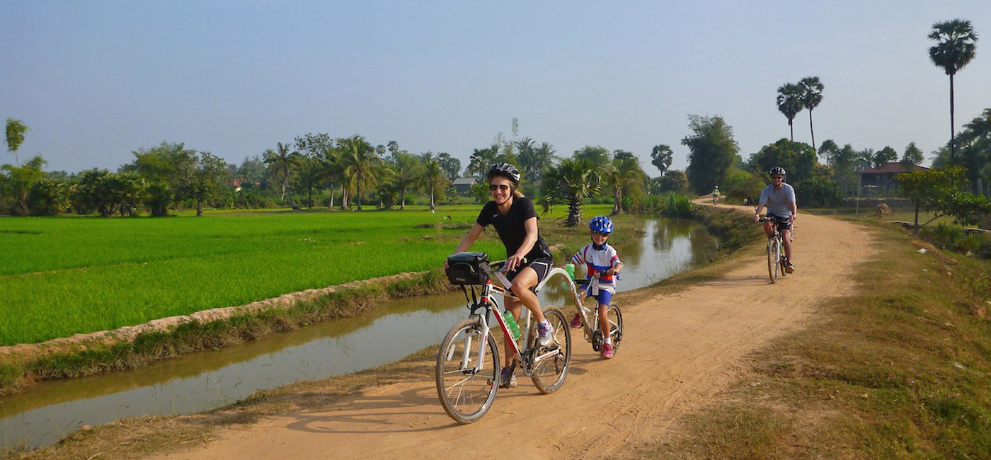 hoi an day tour bicycling to countryside