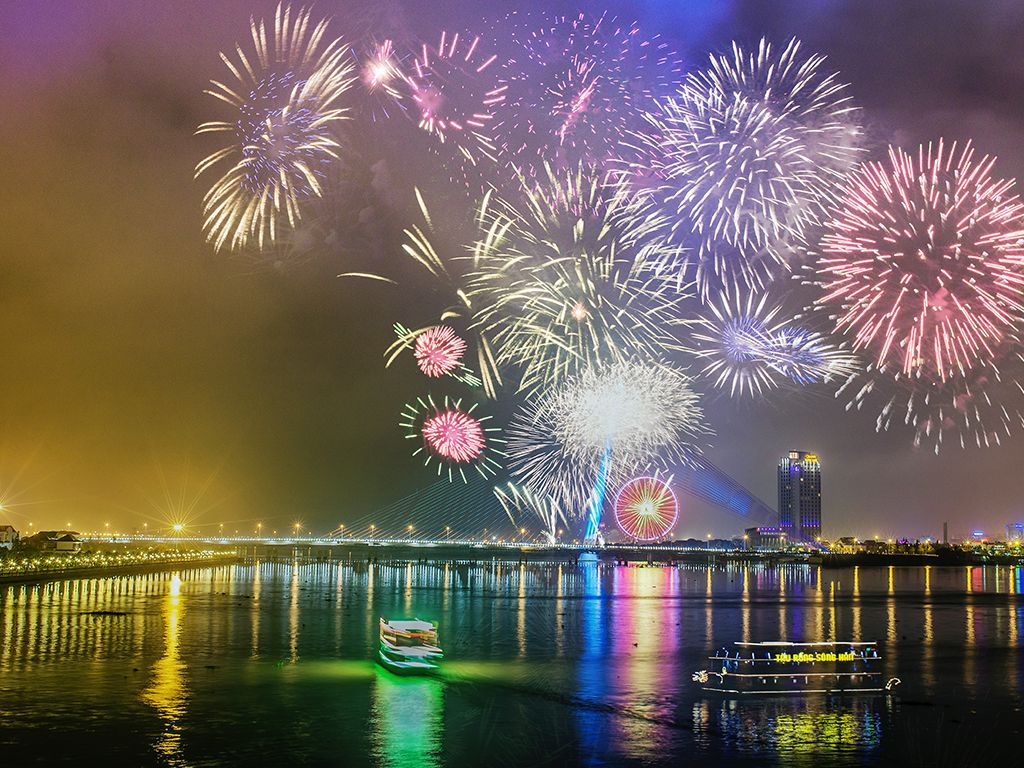 firework festival - 10+ Unique & Amazing Things To Do In Da Nang, Vietnam 2021