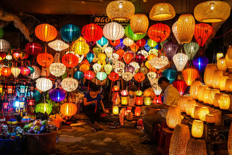 hoi an night market - 10+ Unique & Amazing Things To Do In Da Nang, Vietnam 2021