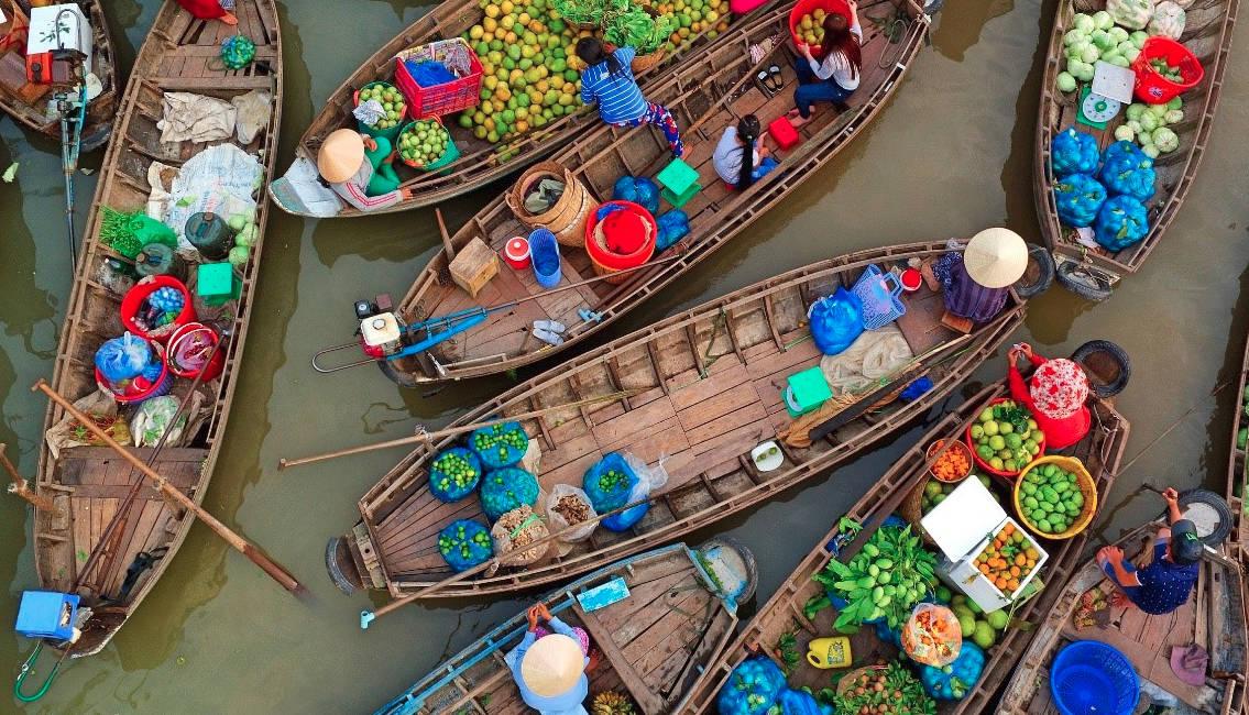 can tho vietnam phong dien floating market