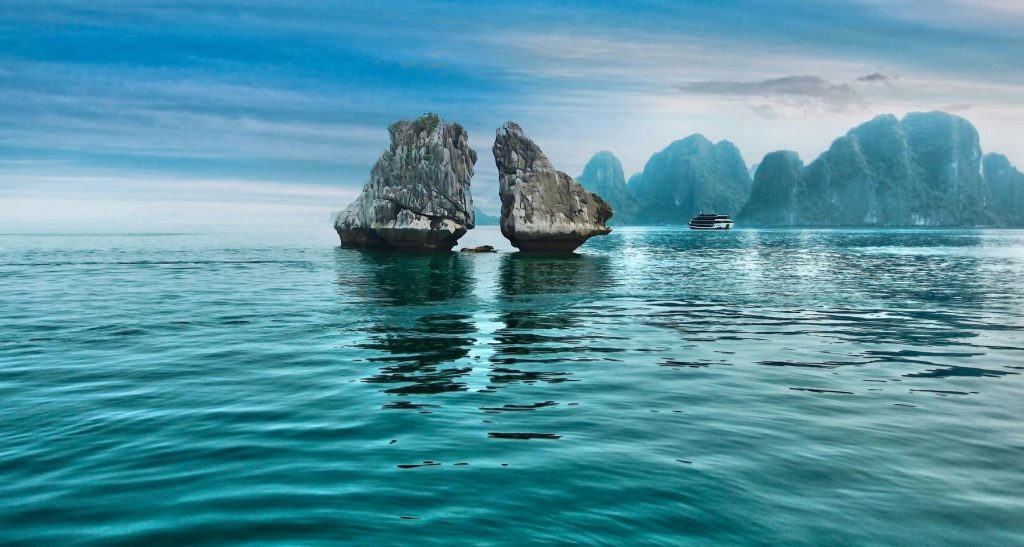 trong mai islet e1541391152979 1024x547 - Top 10+ Unique & Amazing Things to do in Halong Bay, Vietnam (2020)
