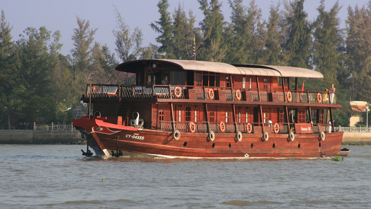 Le Cochinchine Cruise - Top 10+ Unique & Amazing Things to do in Mekong Delta, Vietnam (2021)