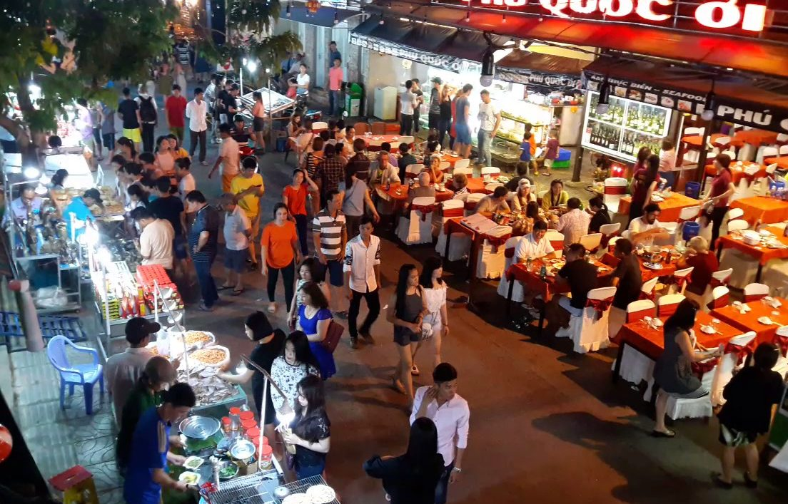 phu quoc night market e1546483903221 - Top 10+ Unique & Amazing Things To Do in Phu Quoc, Vietnam – Updated 2021